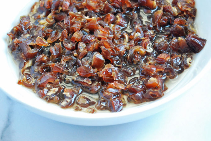 Dates for date nut bread