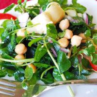 Delicious and easy chickpea artichoke salad