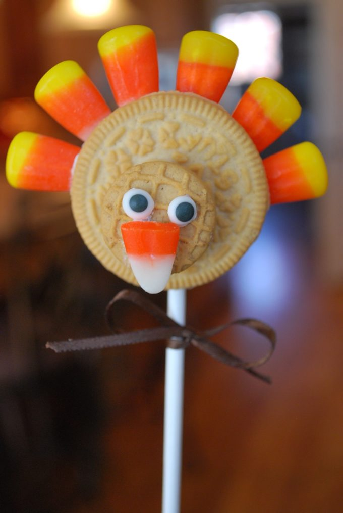 Oreo turkey cookies make an easy Thanksgiving food craft for kids