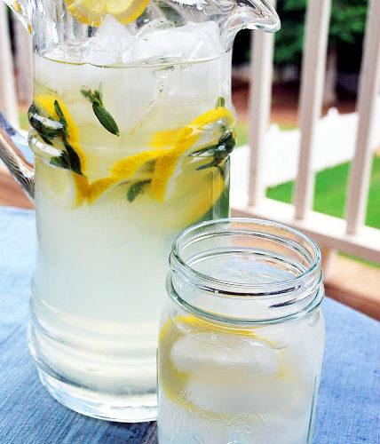 All-Natural Sugar-Free Lemonade- Amee's