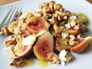 Fresh Fig Salad with feta and walnuts