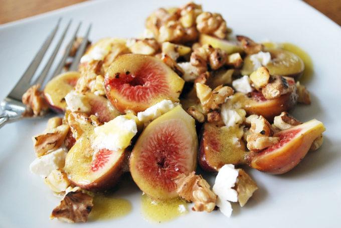 Delicious fresh fig salad recipe