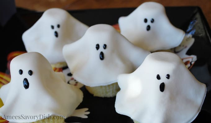 Ghost Cupcakes for fun Halloween food