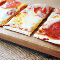 Pepperoni and mozzarella flatbread pizza recipe