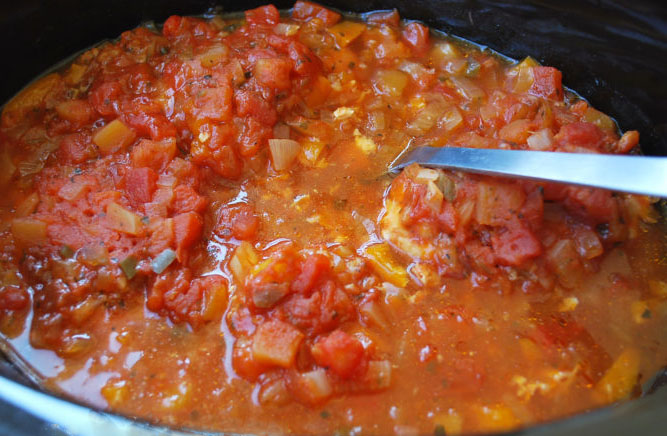 Slow cooker mango salsa chicken ready to eat