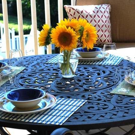 Planning a porch party - outdoor tablescape