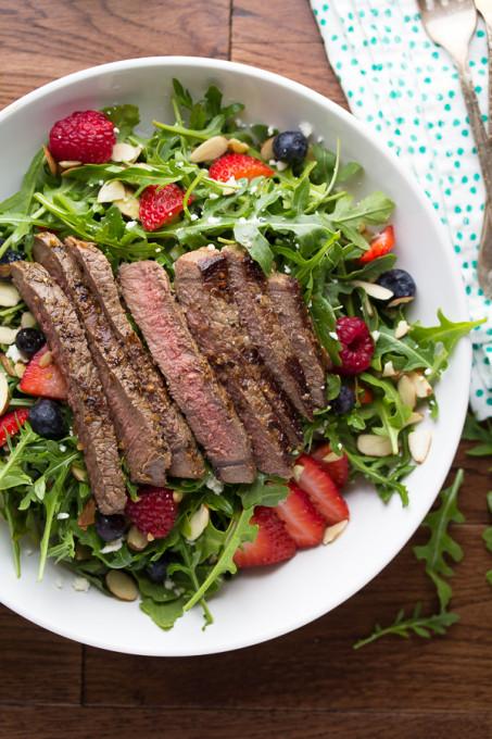 Balsamic Steak Berry and Arugula Salad