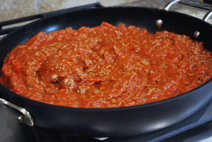 meat sauce in skillet for zucchini lasagna
