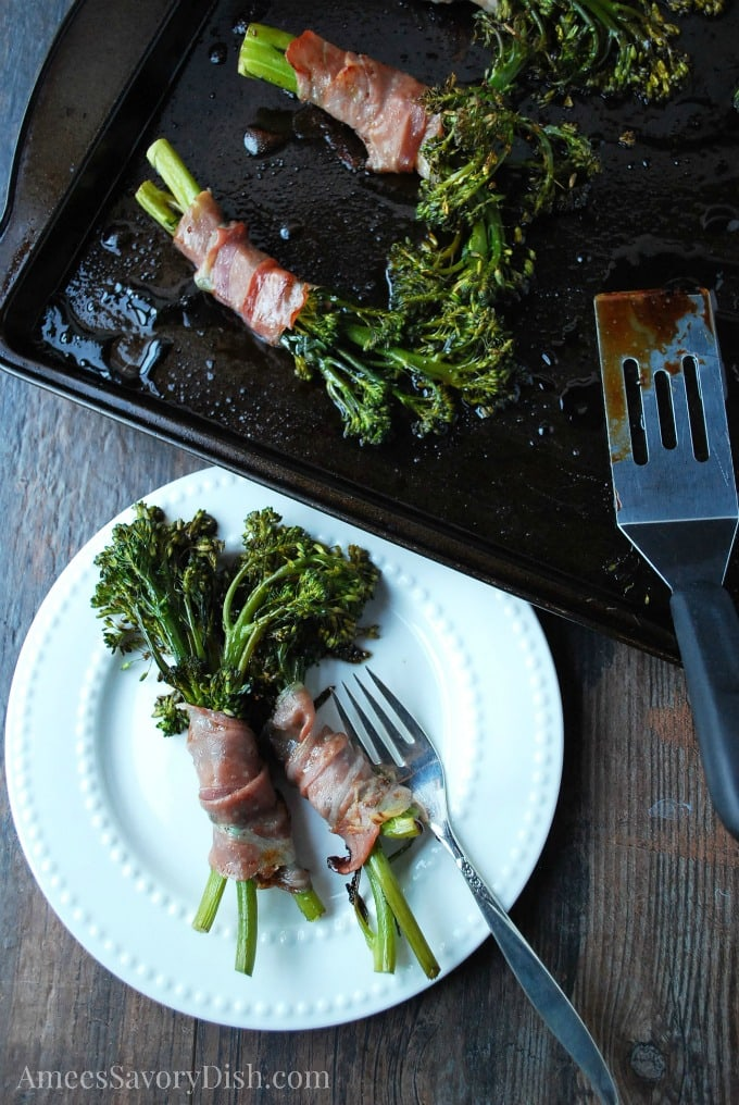 Roasted Prosciutto Broccolini Bundles with Balsamic Vinegar