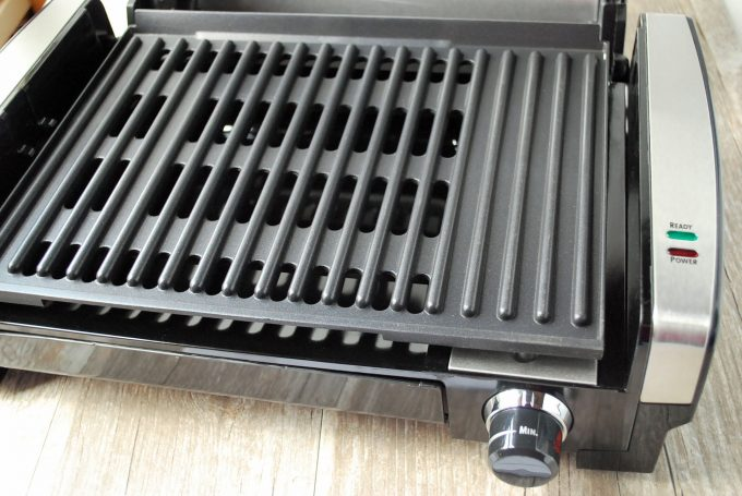 Grill grates on the Hamilton Beach indoor grill