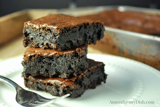 Flourless Chocolate Tahini Brownies