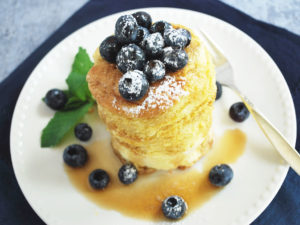 A tasty recipe for light and fluffy Japanese pancakes that puff up like a soufflé