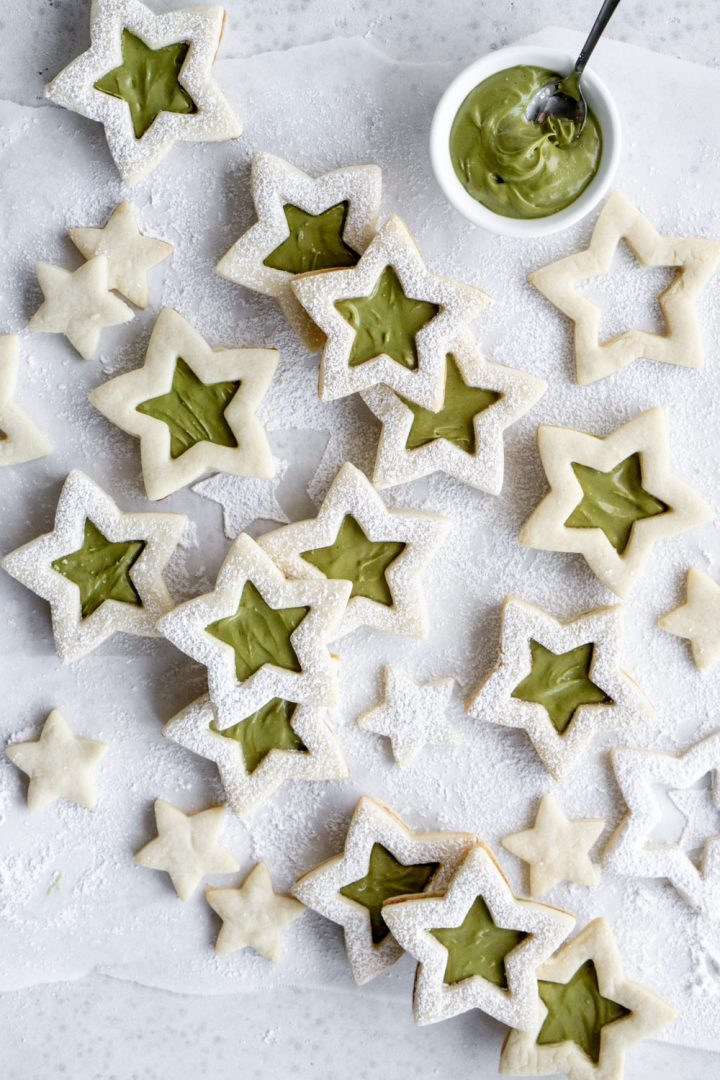 pistachio filled star cookies with pistachio cream